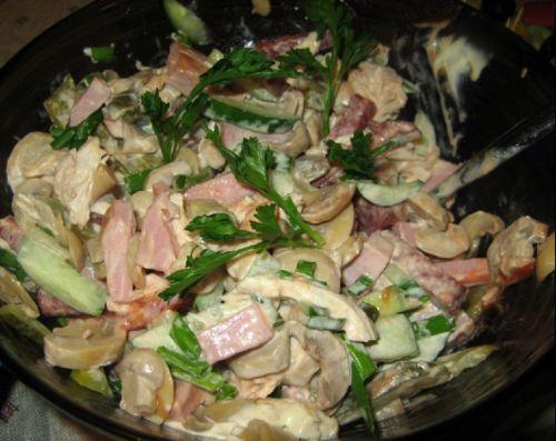 Салат с грибами каприз – рецепт с